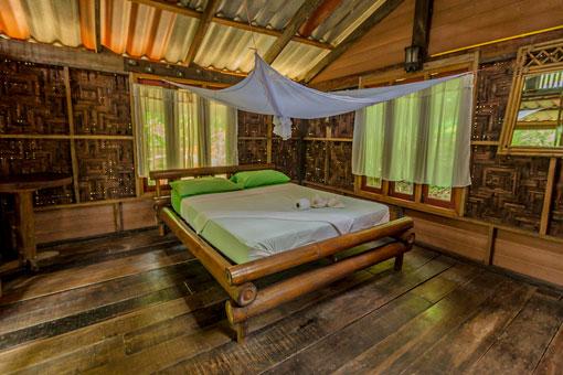 Honeymoon-Bungalow-In-Rainforest