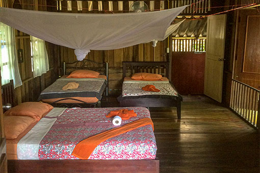 Inside-Family-Room-Khao-Sok