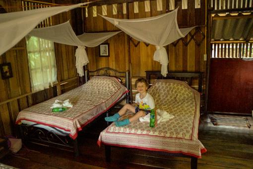 Family-Room-Khao-Sok